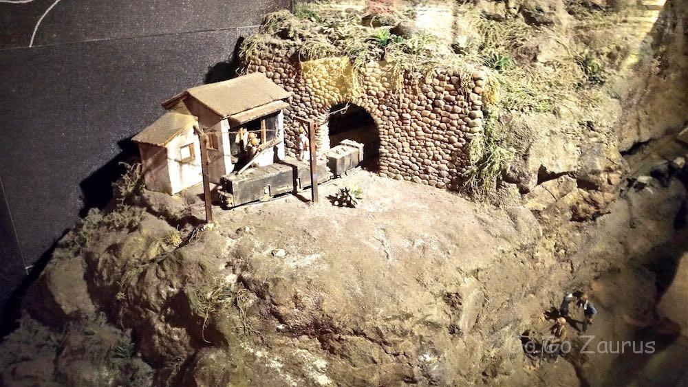 鉱山の模型