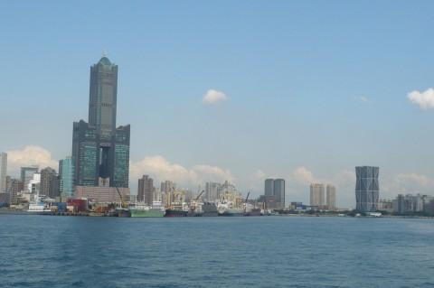 高雄港から高雄85