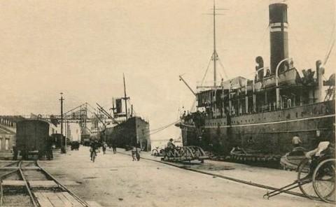 日本統治時代の高雄港