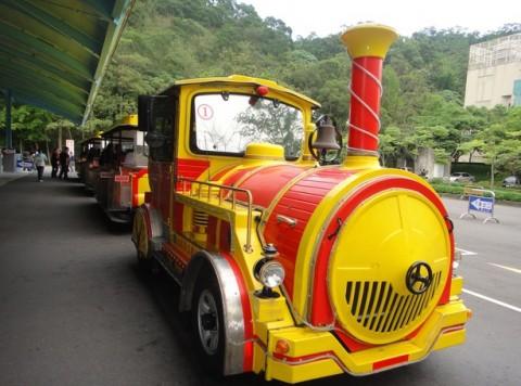 台北動物園汽車