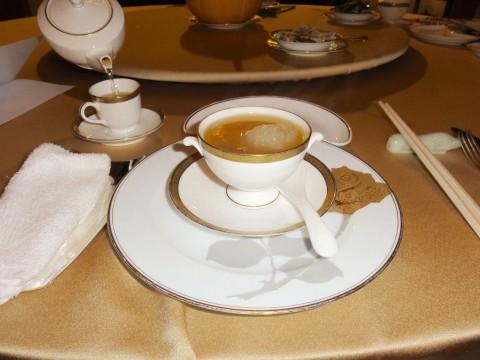 馥園ディナー燕の巣スープ