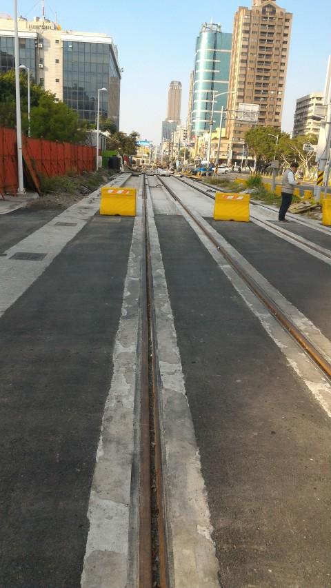 LRT 線路2