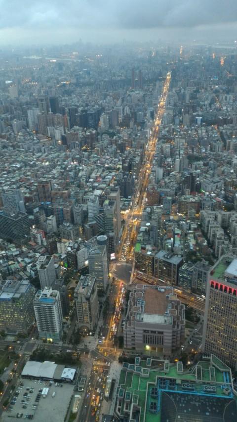 台北101 89階から市内を見下ろす