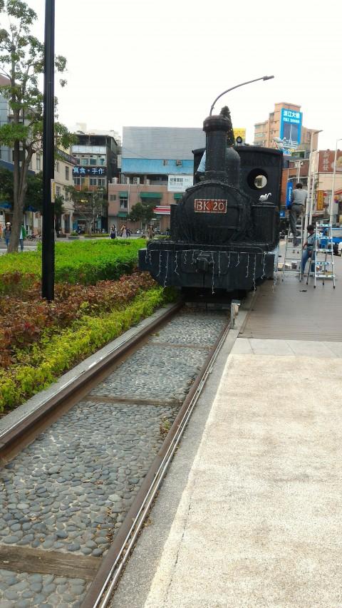淡水駅前の蒸気機関車