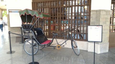 林百貨前人乗せ自転車?