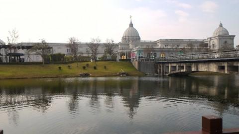 キューピッド橋と博物館