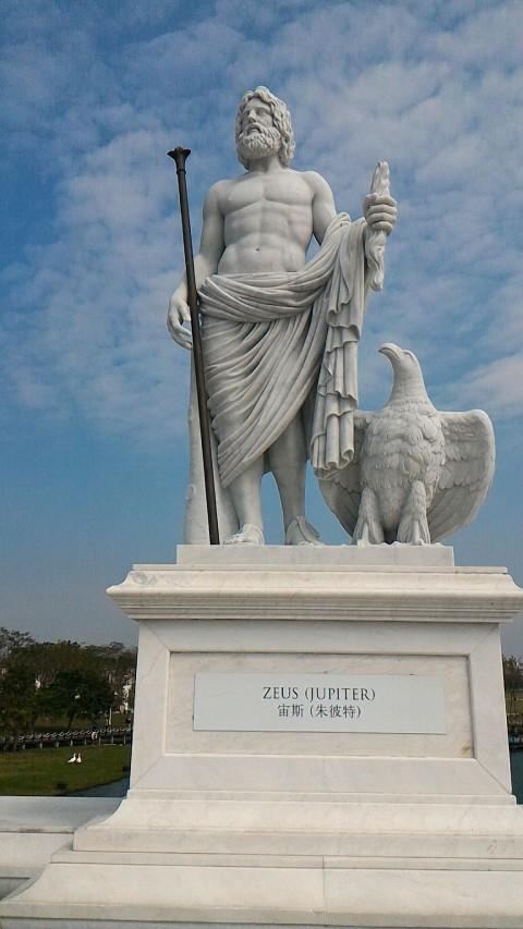 オリンポス橋のゼウス