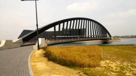 橋と博物館