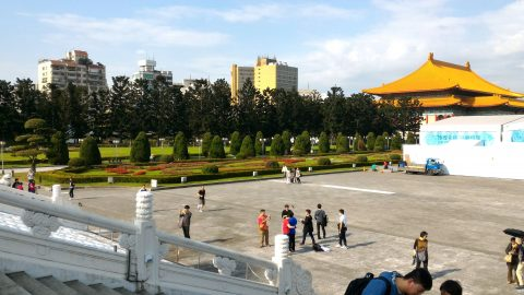 紀念堂から歌劇場