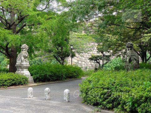 西の丸北門前の狛犬