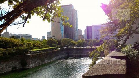 南外濠と向こうに歴史博物館・NHK・府警本部