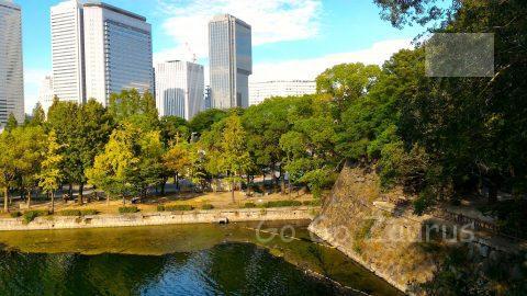大阪城公園青屋門横よりOBPを望む