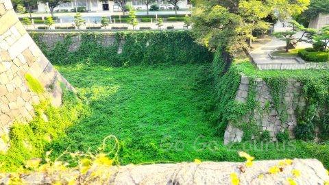 大阪城本丸から見た空堀
