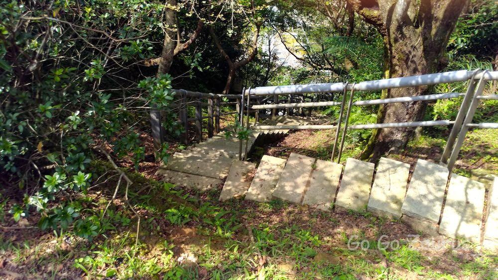 猴硐神社の裏道