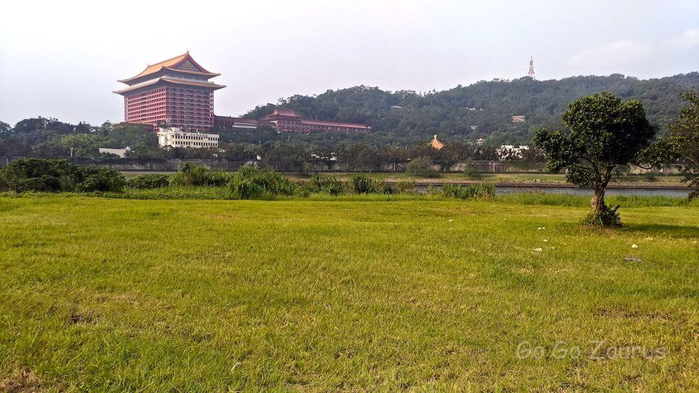 基隆河から雄大な圓山大飯店
