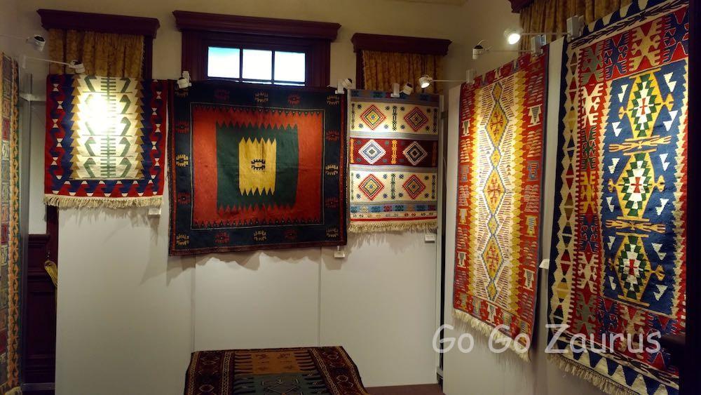 ペルシャ絨毯の展示