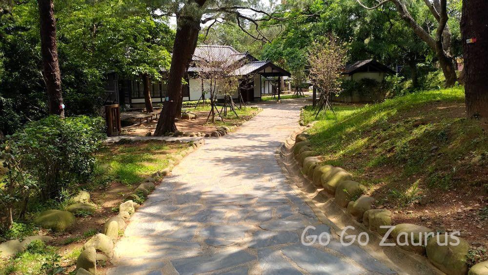 湖畔の日本建築