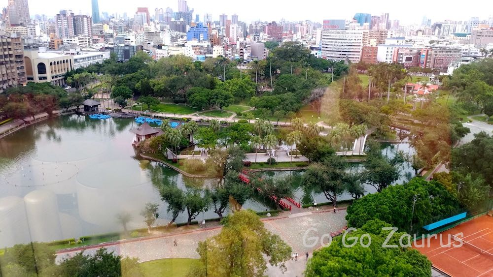 ホテル12階から台中公園