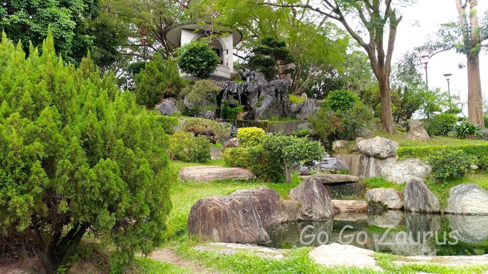 日本庭園風に整備されている