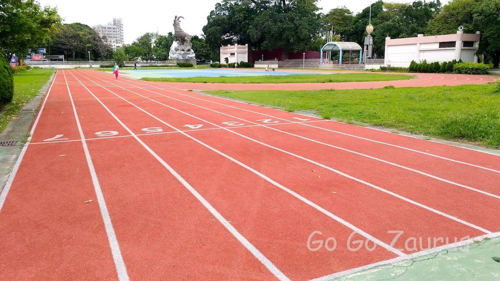 台中公園の中の陸上競技場
