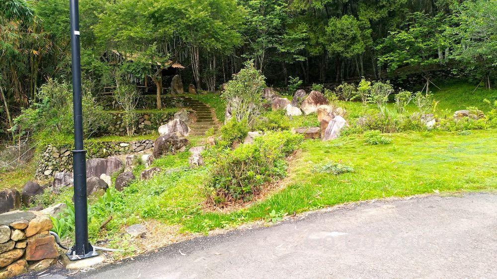 よく整備されて綺麗な庭