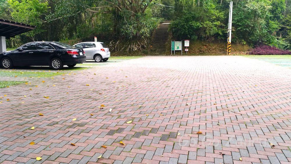 慈恩塔駐車場