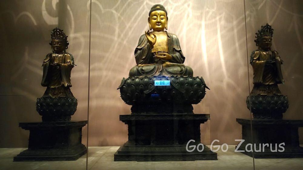 101号室 仏像