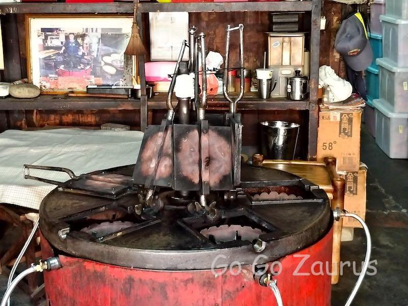 特注の煎餅焼き機