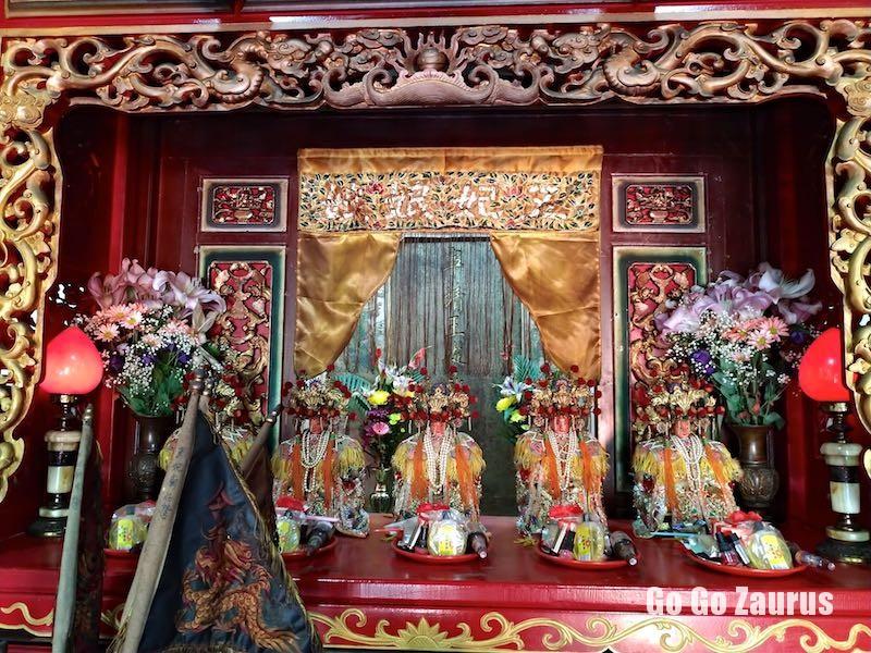 五妃の神像