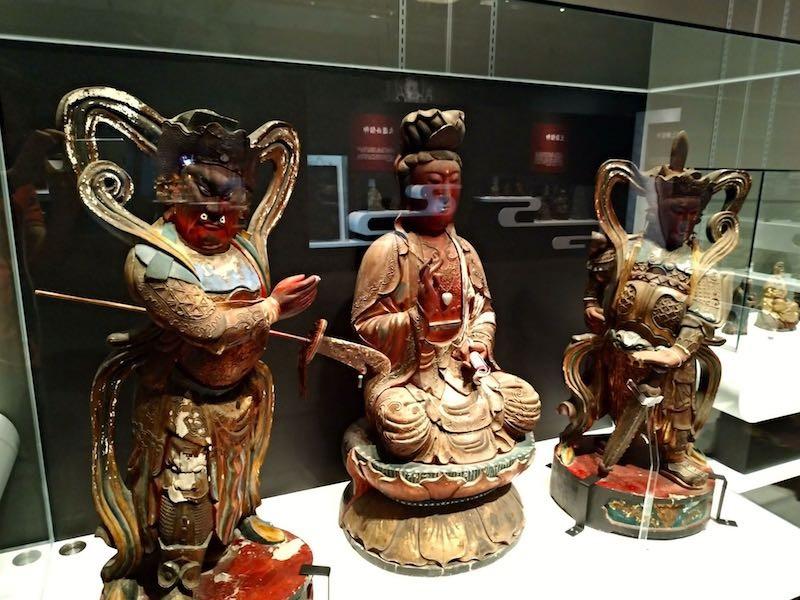 4階の仏像展