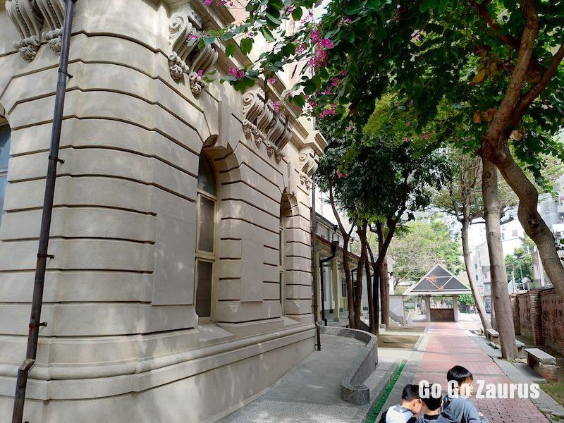 公会堂右側